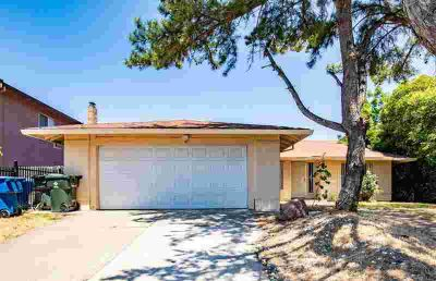 3945 SHINING STAR Drive SACRAMENTO Three BR, GOOD INVESTMENT!