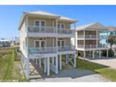 $699500 Six BR 6.00 BA, Gulf Shores