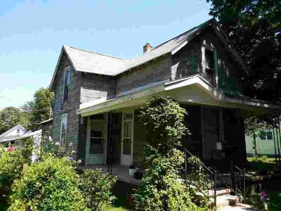 611 E RIVER Boulevard Marion Three BR, Perfect project for the