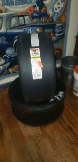 2 Mickey Thompson 28.0/11.5-15 tires... Brand New