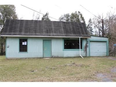 2 Bed 1 Bath Foreclosure Property in Vidor, TX 77662 - & 915 S Dewitt Rd