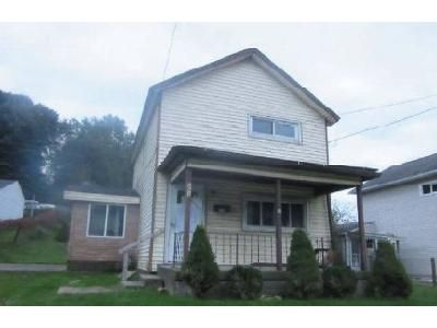 2 Bed 1 Bath Foreclosure Property in Carbondale, PA 18407 - Pike St