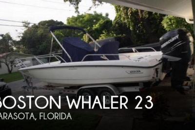 2008 Boston Whaler 230 Dauntless