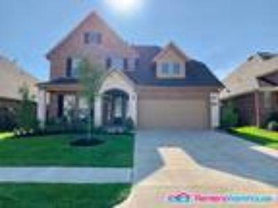 Gorgoeus Four BR 3 1/Two BA home in Fall Creek