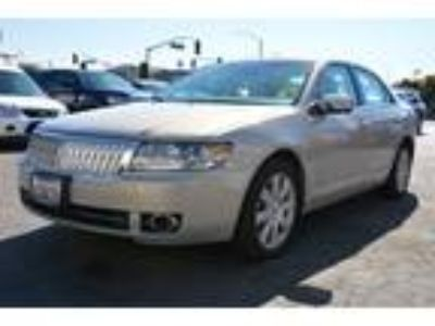 2009 Lincoln MKZ 4 door Silver, Htd Cooled Seats, Navigation, Low Mile