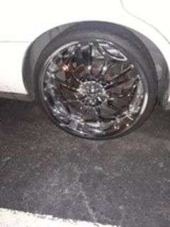 """22"""" Chrome rims on Rubber bands"""