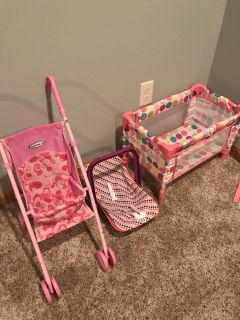 Set of doll accessories.