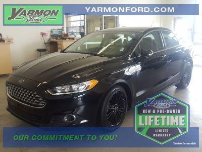 2016 Ford Fusion SE (Shadow Black)