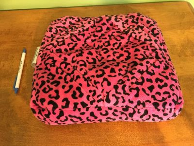 Tablet pillow/iPad holder for a car/travel neck pillow