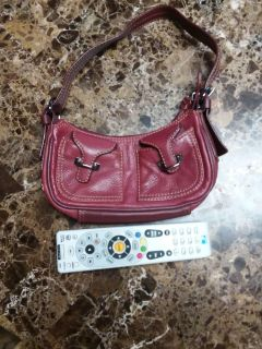 GUC Wine Red Reaction Kenneth Cole Purse