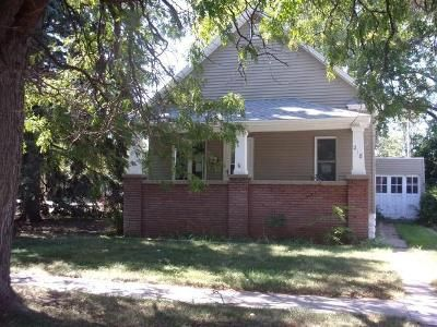 2 Bed 1 Bath Foreclosure Property in North Platte, NE 69101 - S Maple St