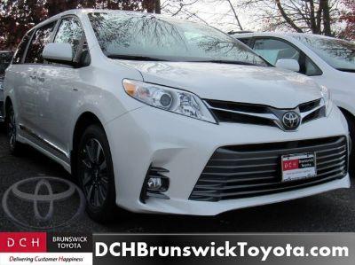 2019 Toyota Sienna (Blizzard Pearl)
