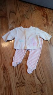 Baby Connection brushed fleece footed pant set. New, never worn, no tags. Size 6-9M