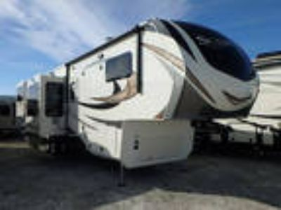 2017 Grand Design Solitude 375RE 41ft
