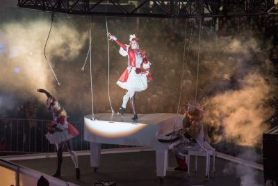 Circus Performers In Toronto