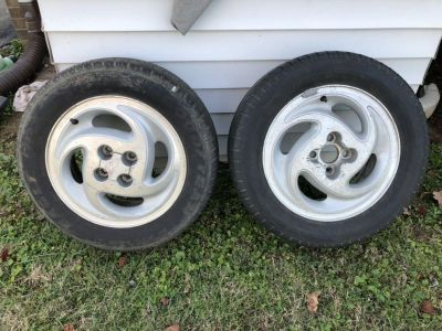 Saturn Wheels and Tires