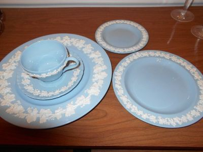 REDUCED!!  Wedgewood Queensware Embossed 32 piece set - Like New