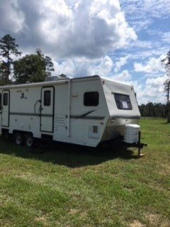 Camper 30' with 2 slide outs