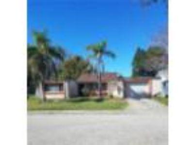 3321 Overland Dr Holiday, FL