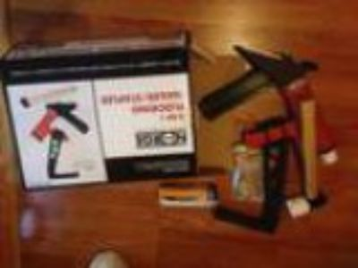 Nearly new hardwood flooring nail gun (St Mountian Decatur)