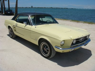 1967 Ford Mustang (YELLOW)