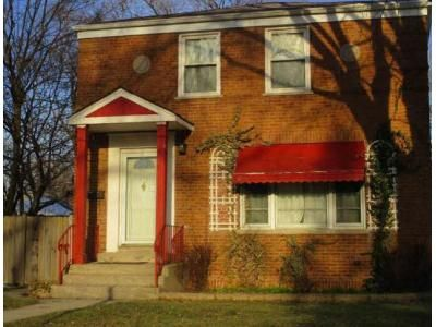 2 Bed 1 Bath Foreclosure Property in Westchester, IL 60154 - Westchester Blvd