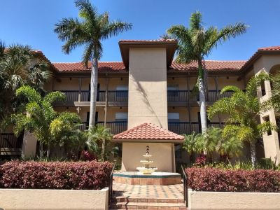 Fully Remodeled 3/2 Corner Unit overlooking Golf Course!