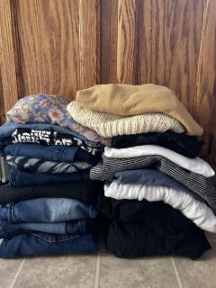 Size small clothing lot, lots of American eagle