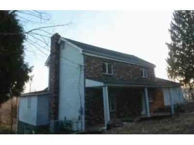 3 Bed 2 Bath Foreclosure Property in Irwin, PA 15642 - Skellytown Rd