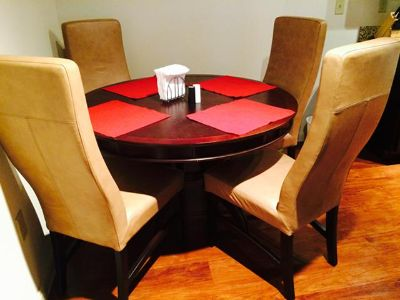 $400, Beautiful, Almost New Hardwood Table  4 Leather Chairs