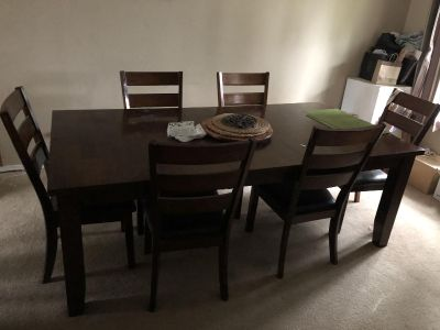 Dining room table with 7 chairs
