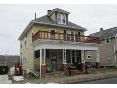3 Bed 1.5 Bath Foreclosure Property in Mount Union, PA 17066 - W Market St