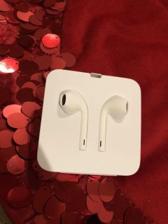 Brand New Apple Wire IPhone Earbuds. Never Used. Perfect Condition