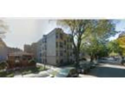 1909-13 W. Larchmont Ave. - 1 BR