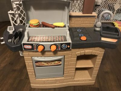 Little tikes play grille