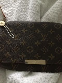 Louis Vuitton tote with long strap, brand new never used