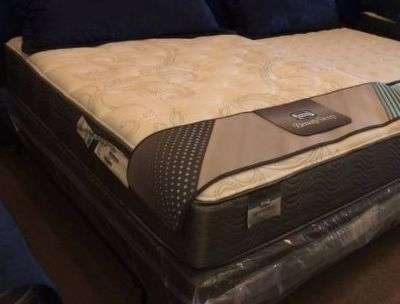 Simmons Queen Size Plush Bed! Twin Full King Cal King Mattress