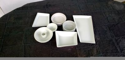 *Like New* Assorted white ceramic serving trays.