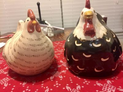 Euc!!Beautiful Rooster & Chicken decor