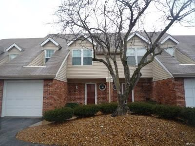 2 Bed 1.5 Bath Foreclosure Property in Florissant, MO 63034 - Candlewyck Club Dr Apt D