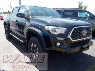 2018 Toyota Tacoma Double Cab TRD Offroad (Midnight Black Metallic)