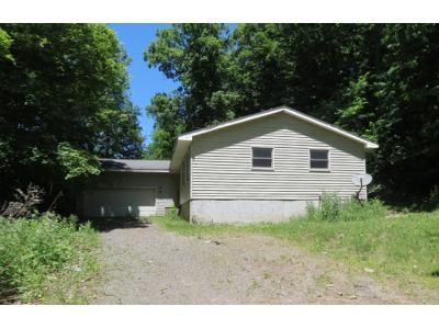 3 Bed 2 Bath Foreclosure Property in Palmyra, NY 14522 - Hogback Hill Rd