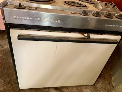 1960 s Vintage Frigidaire Compact 30 wall oven/stove