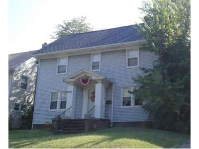 3 Bed 2.5 Bath Foreclosure Property in Cleveland, OH 44118 - Cumberland Rd