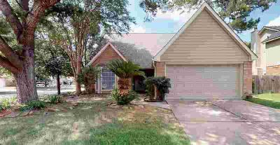 11218 Middleburgh Drive TOMBALL Three BR, WATCH 3D VIDEO TOUR to