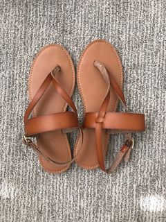 Cat & Jack Brown leather sandals Size 3