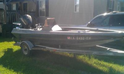 15 Avenger bass boat 90 Johnson outboard