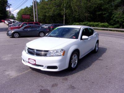 2012 Dodge Avenger SXT (White)