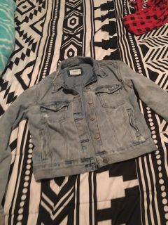 Blue jean jacket only worn twice it s too small for me now