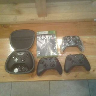 (Price Negotiable) Xbox One S 1TB + 4 Controllers + Game + Account